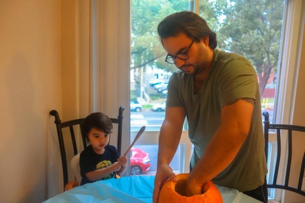 pumpkin carving (4 of 9).jpg
