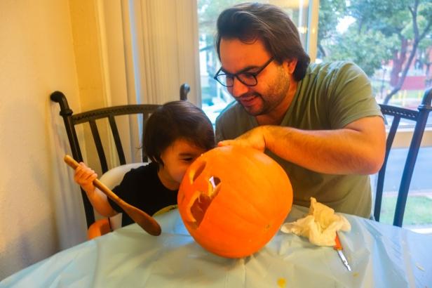pumpkin carving (6 of 9).jpg