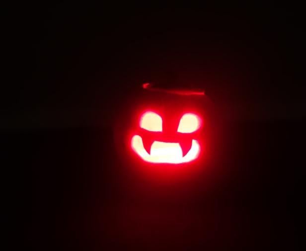 pumpkin carving (7 of 9).jpg